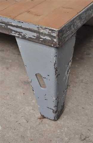 stoere-industriele-salontafel (1)