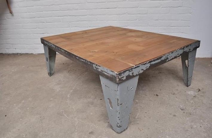 stoere-industriele-salontafel