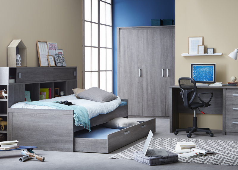 Van kinderkamer naar tienerkamer 3 simpele tips lifestyle wonen - Blauwe en grijze jongens kamer ...