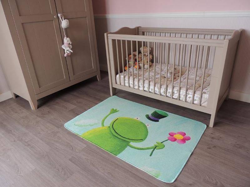 leuk-kindertapijt-voor-babykamer-80x120cm