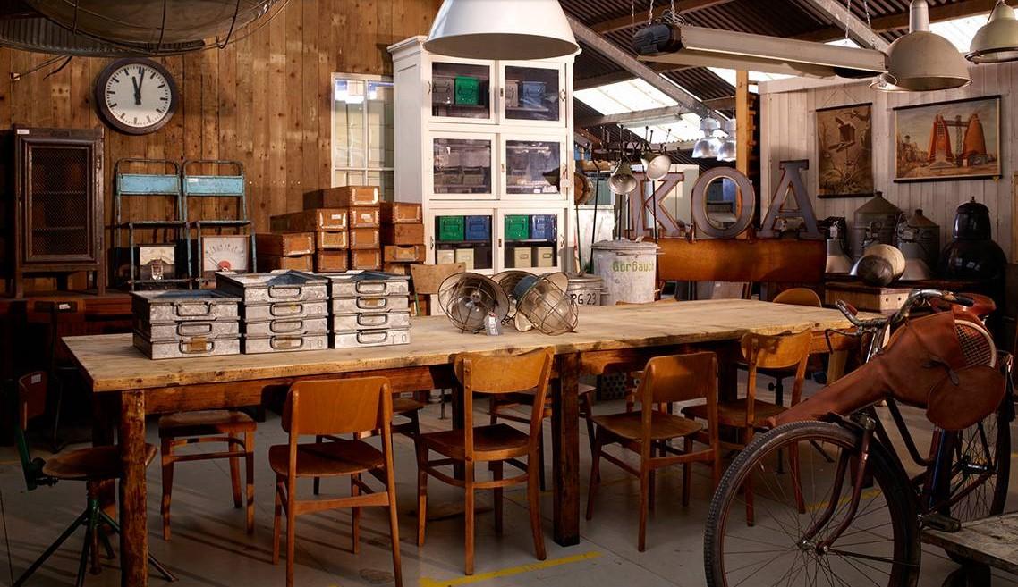 Een industrieel interieur shop je bij Oldwood.nl - Lifestyle & Wonen